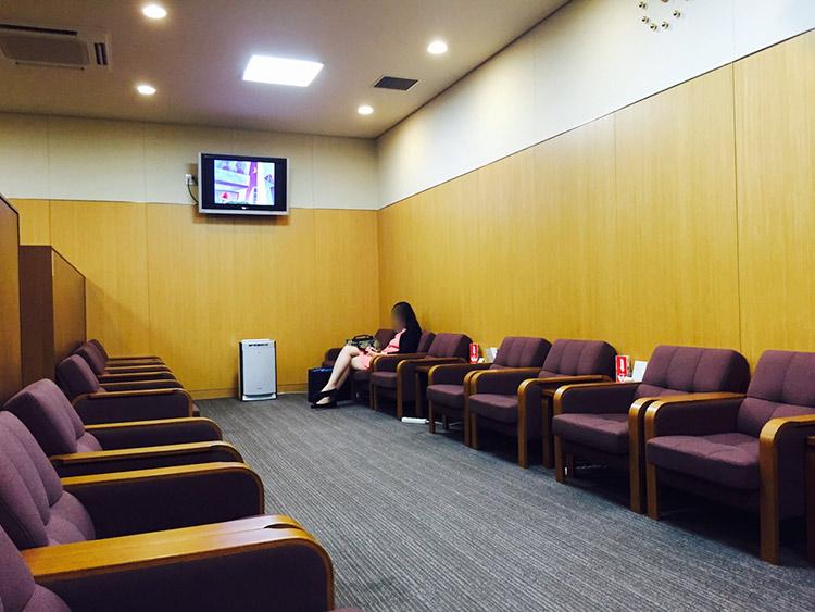 lounge-inside1