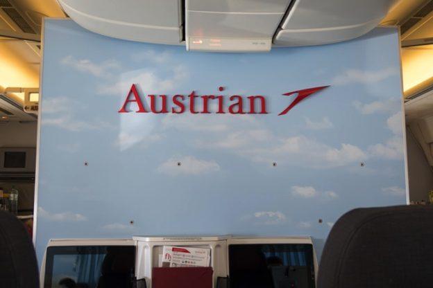 オーストリア航空(OS052便)ビジネスクラス搭乗記 成田−ウィーン B777-200ER