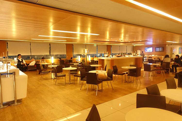 シャルル・ド・ゴールド空港エールフランスラウンジ3